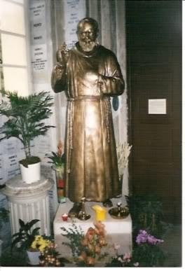 Statue du Saint Padre Pio, Sanctuaire Notre-Dame de Laghet (06)