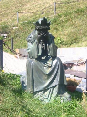 Notre-Dame de la Salette pleurant