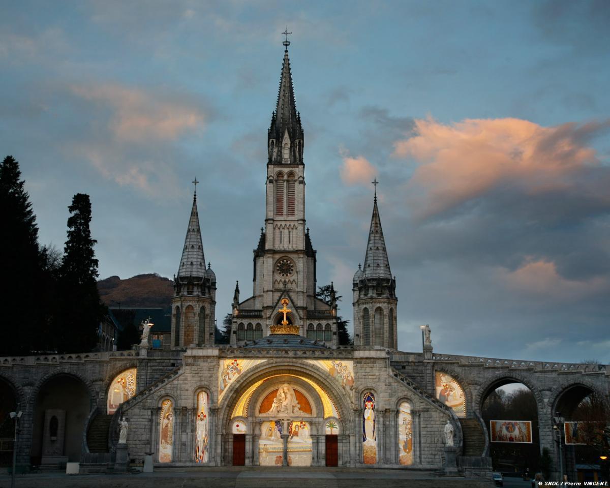 Fond d'écran Basilique Rosaire, Lourdes