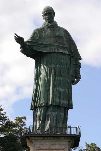 Colosso di san Carlo Borromeo (35 m), Arona